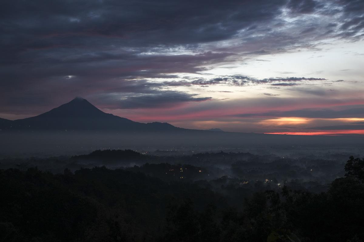 Yogyakarta Setumbu Hill