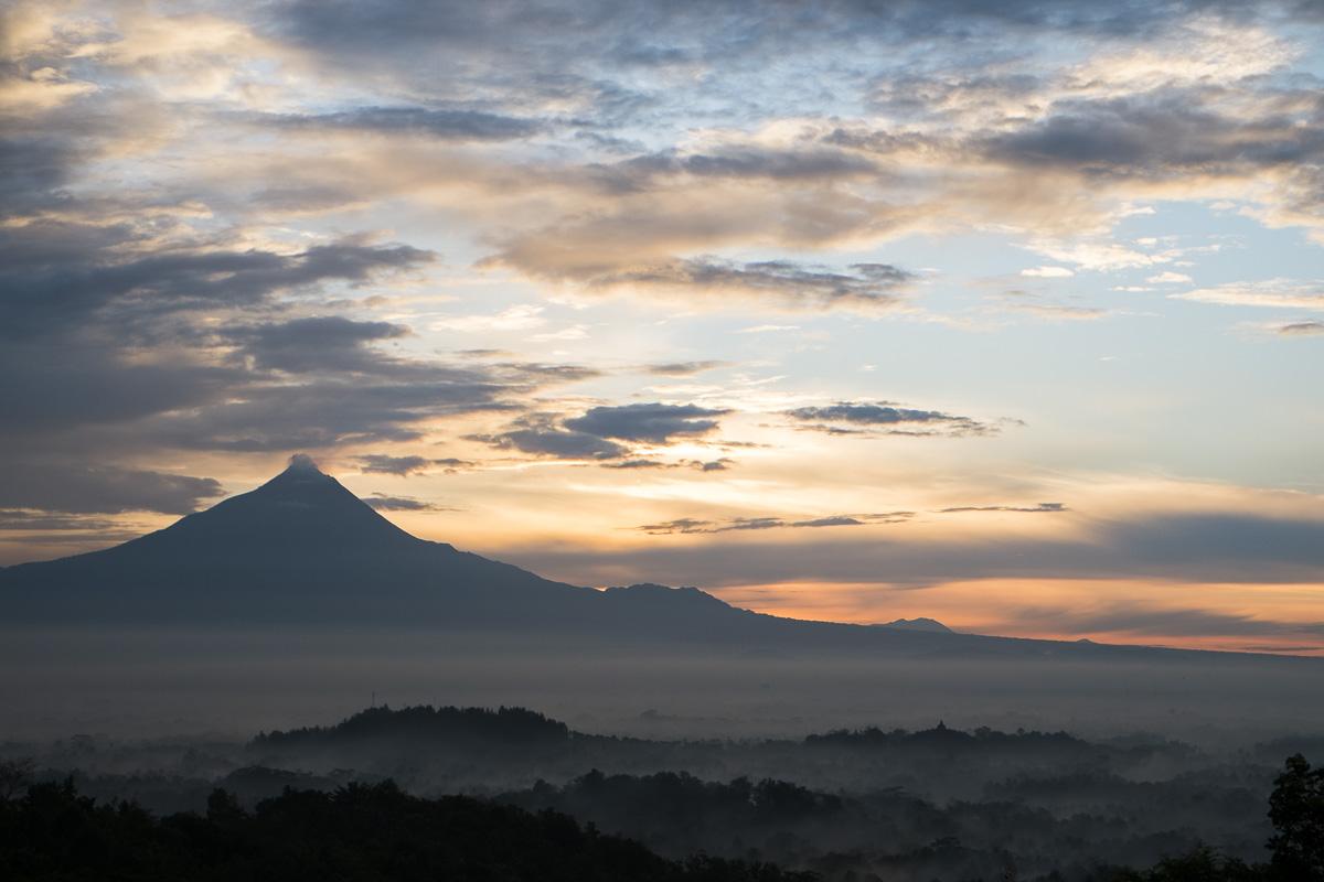 Yogyakarta Setumbu Borobudur Sunrise