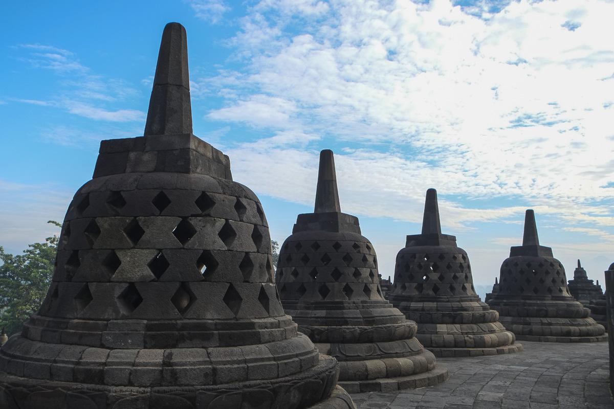 Jogja Borobudur Peak Statues